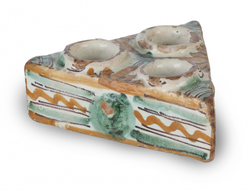 Salero o especiero en cerámica esmaltada en ocre, verde y m