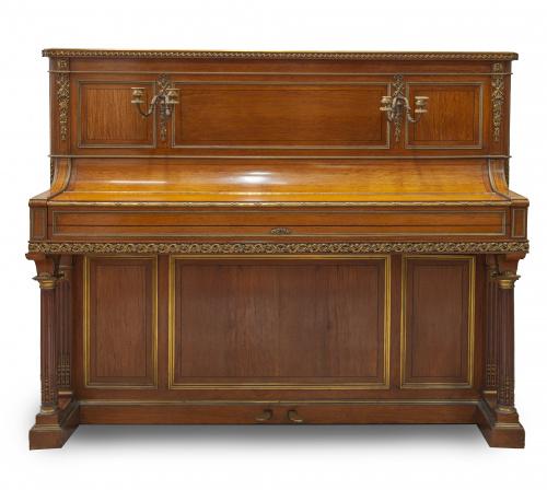 Kriegelstein* & Cie Paris.Piano vertical de madera y bron