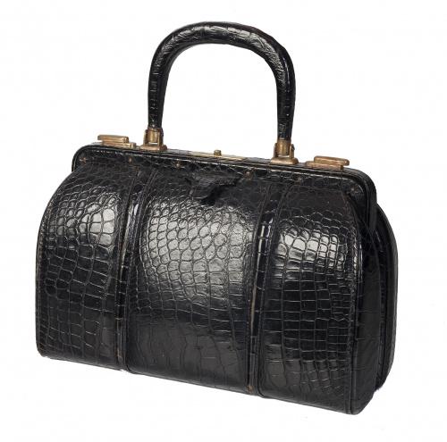 Gran bolso de piel de cocodrilo negro años 40 con asa corta