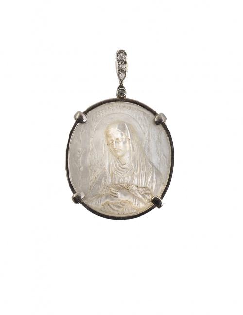 Medalla de pp. S. XX con Virgen en nácar en marco de platino
