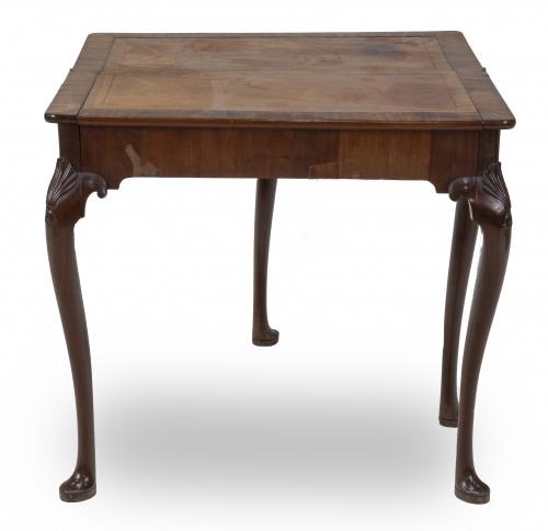 Mesa de juego Jorge I de madera de caoba.Trabajo inglés,