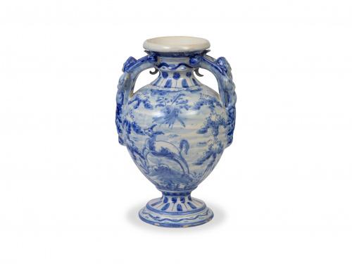 Jarrón de cerámica esmaltada de azul de cobalto. Marcado en