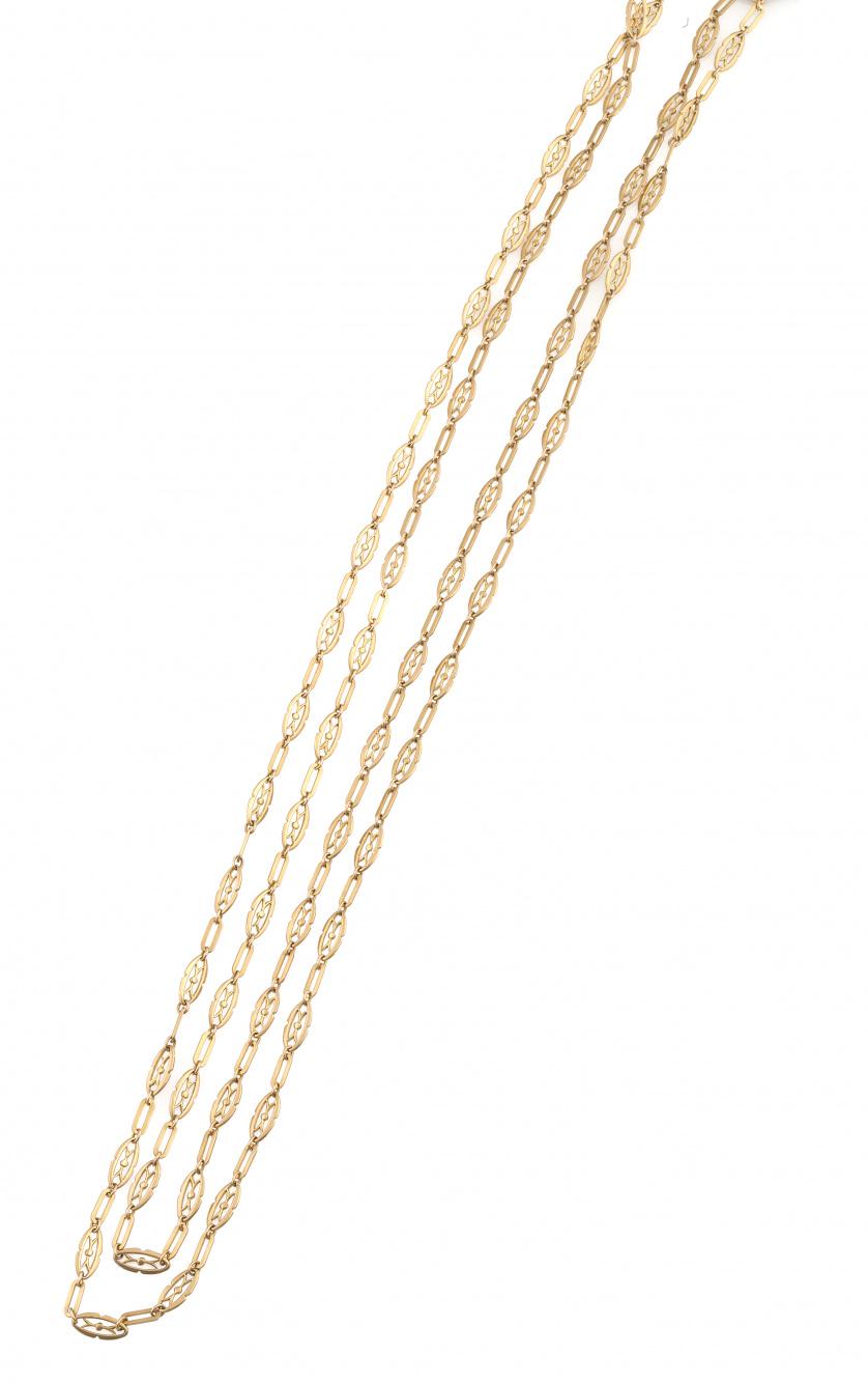 Cadena larga de abanico s.XIX con eslabones rectangulares a