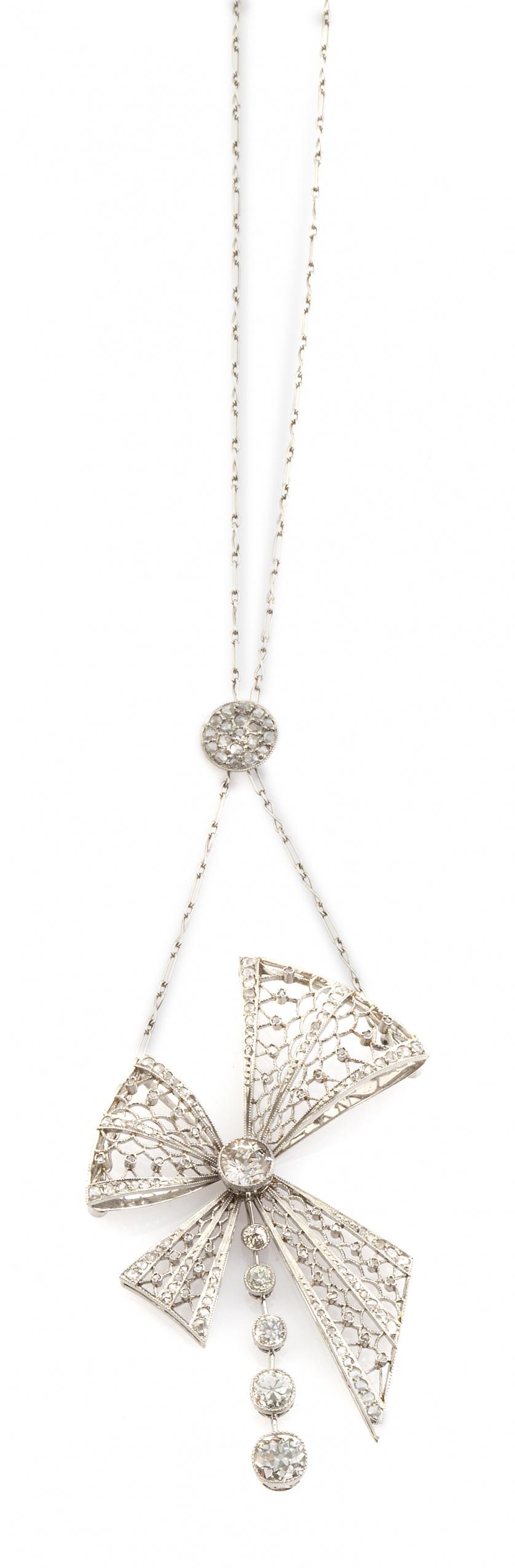 Pendentif de pp. s. XX con diseño de lazo de diamantes en c