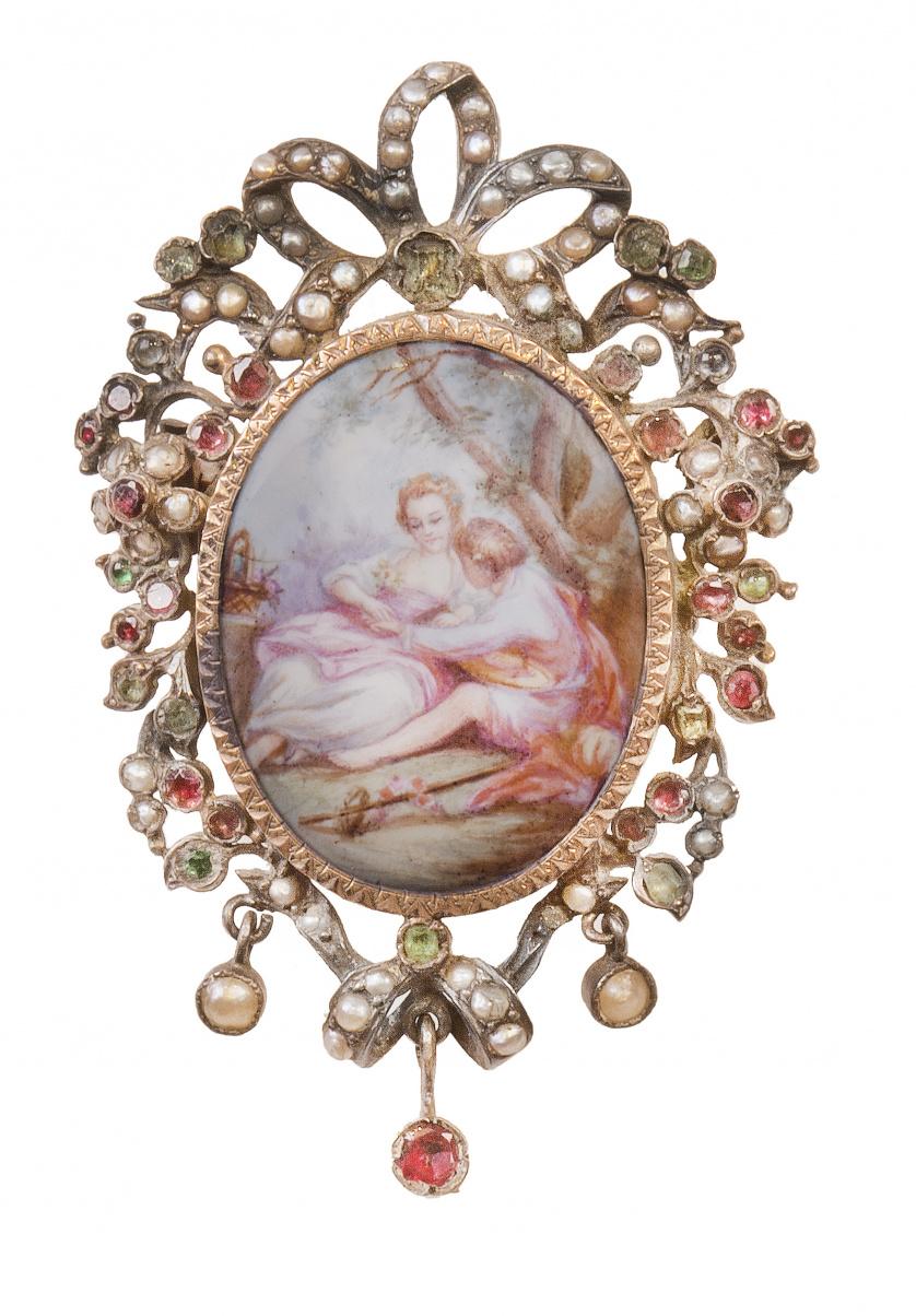 Broche guardapelo S. XVIII-XIX con porcelana esmaltada con