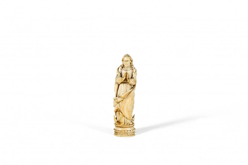 InmaculadaMarfil tallado y doradoTrabajo Indoportugués, g