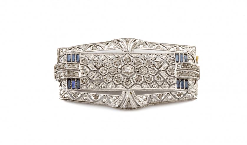Broche placa Art-Decó de platino con brillantes y diamantes