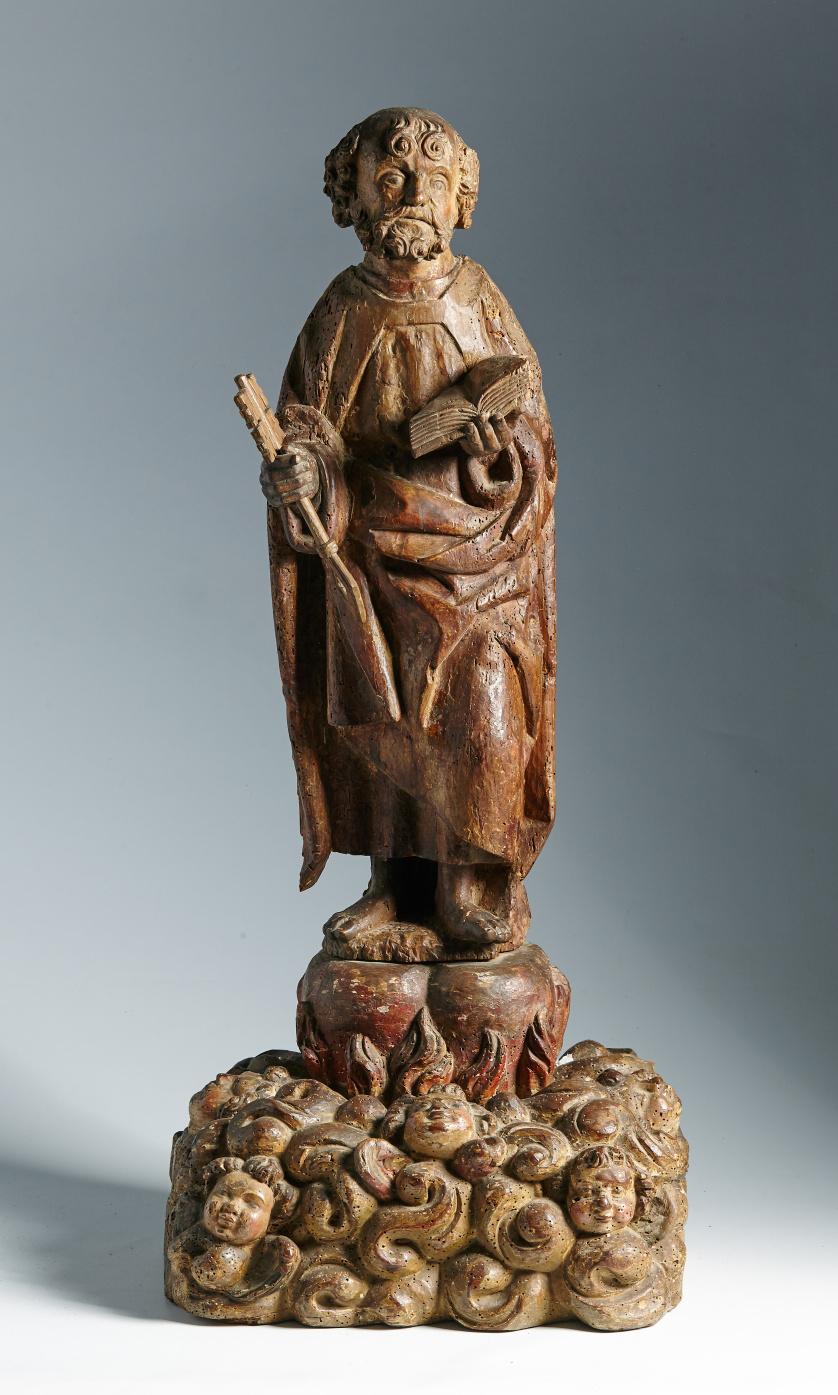 """San Pedro"". Escultura en madera tallada, con restos de pol"