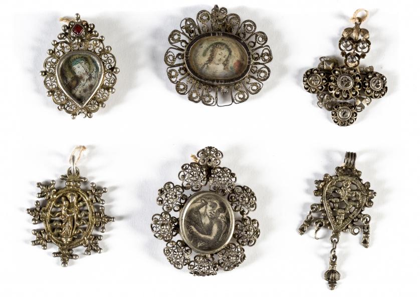 Colgante de plata de filigrana, trabajo salmantino, S. XVII