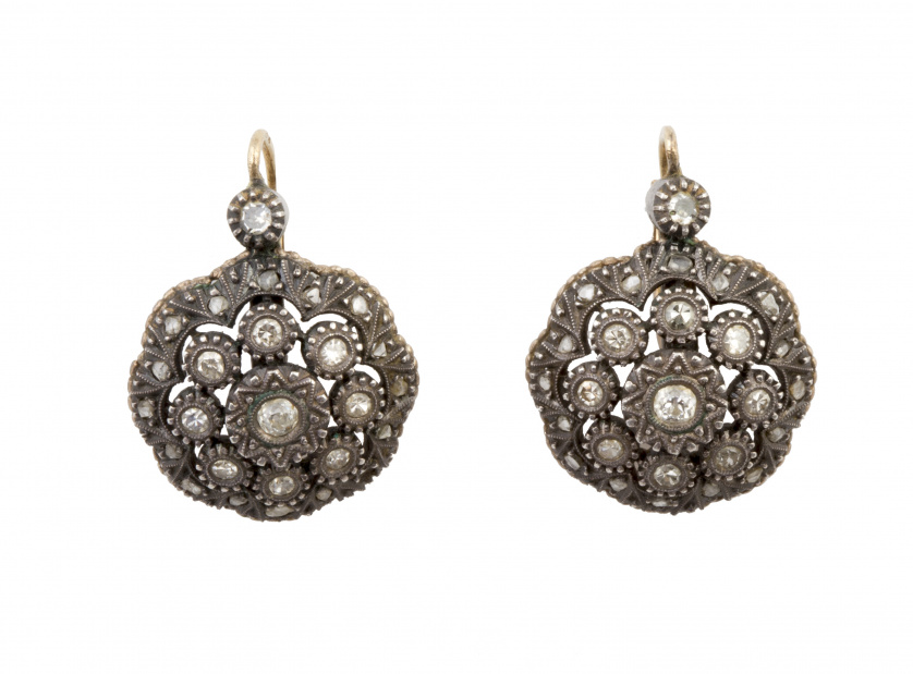 Pendientes portugueses s. XIX con rosetones de diamantes en
