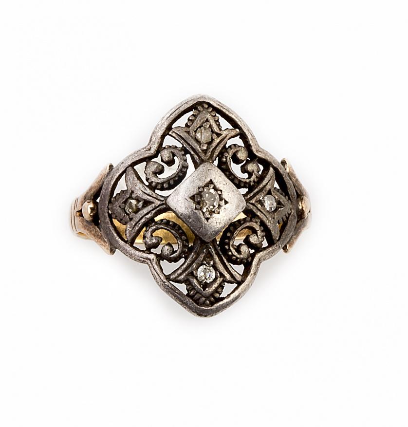 Sortija portuguesa s.XIX con rombo calado de diamantes