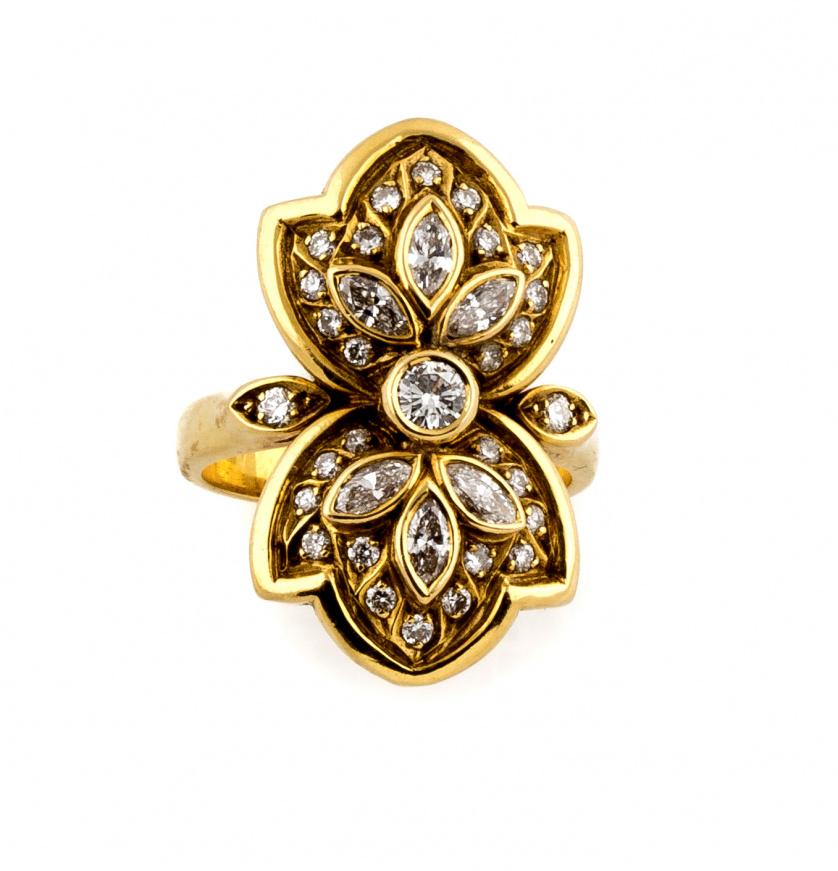 Sortija lanzadera de brillantes y diamantes talla marquisse