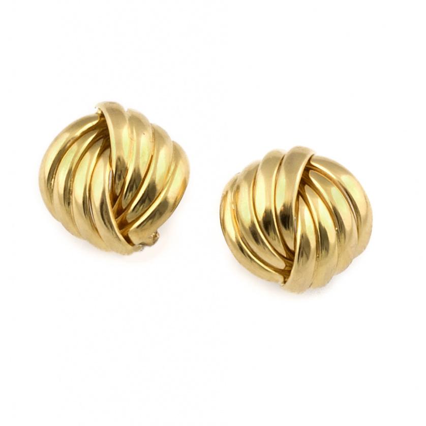Pendientes con diseño de nudo de bandas gallonadas en oro a