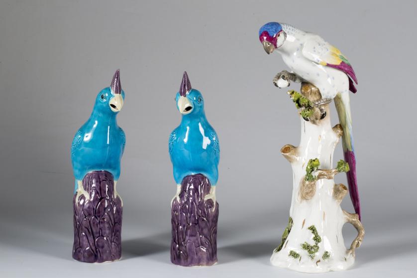 Loro de porcelana esmaltada.Doccia, Florencia, S. XIX