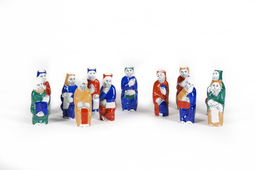 Los doce apóstoles en porcelana esmaltada. Fábrica de Castr