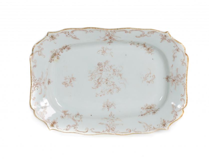 Fuente en porcelana de Compañía de Indias.China, S. XVIII
