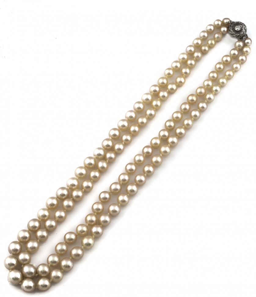 Collar de pps s XX con dos hilos de perlas cultivadas de ta