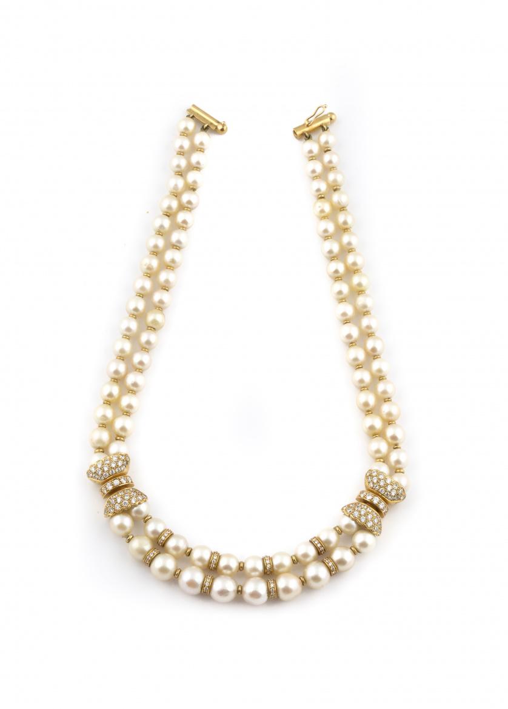 Collar con dos hilos de perlas cultivadas con entrepiezas y