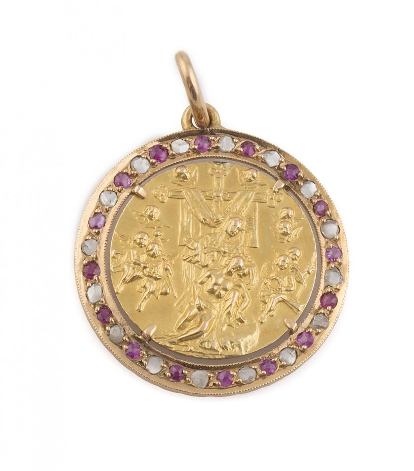 Medalla colgante con escena de descendimiento de la cruz, e