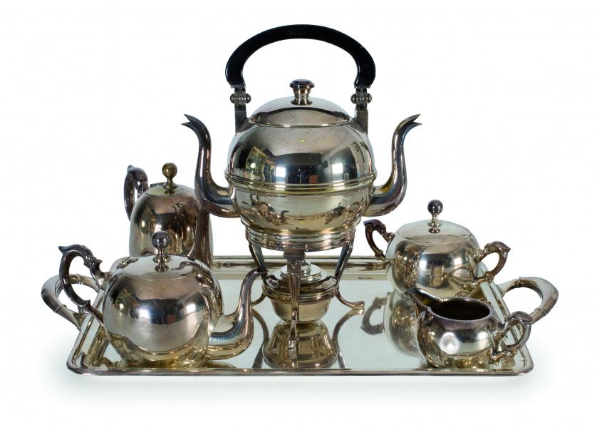Juego de café y té en plateado., pp. del S. XX
