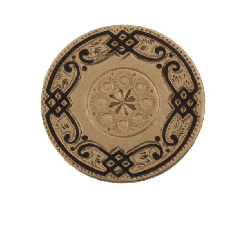 Botón en oro con trabajo grabado y esmalte negro