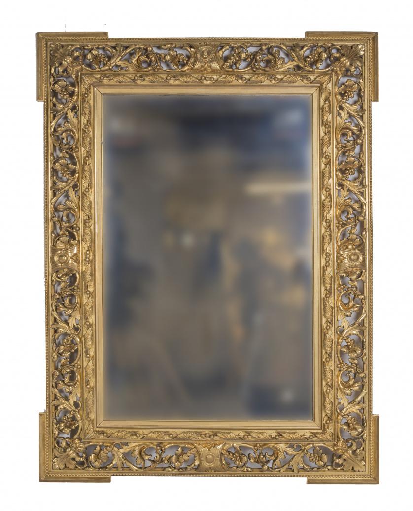 Espejo de madera tallada, estucada y dorada, S. XIX