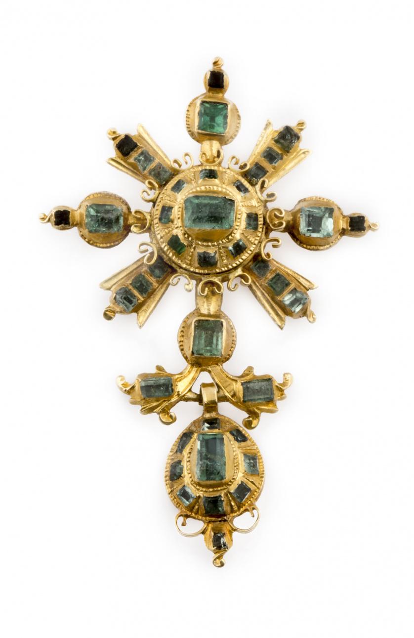 Colgante popular de esmeraldas s.XVIII-XIX con botón orlado