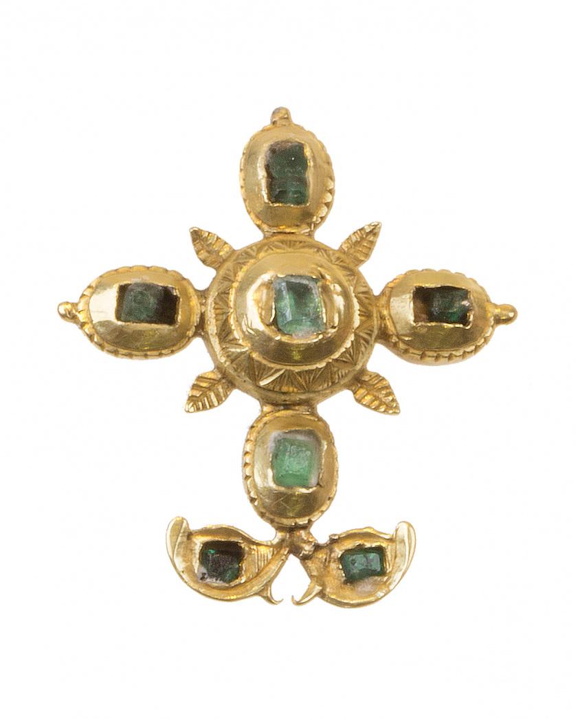 Cruz colgante de esmeraldas S. XVIII-XIX