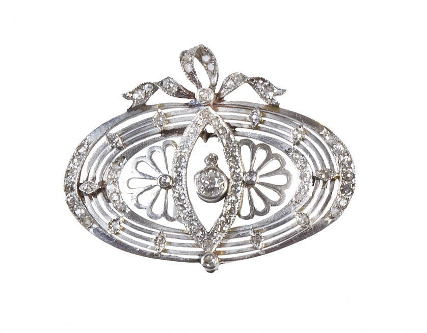 Broche oval Belle epoque portugués de diamantes, encabezada