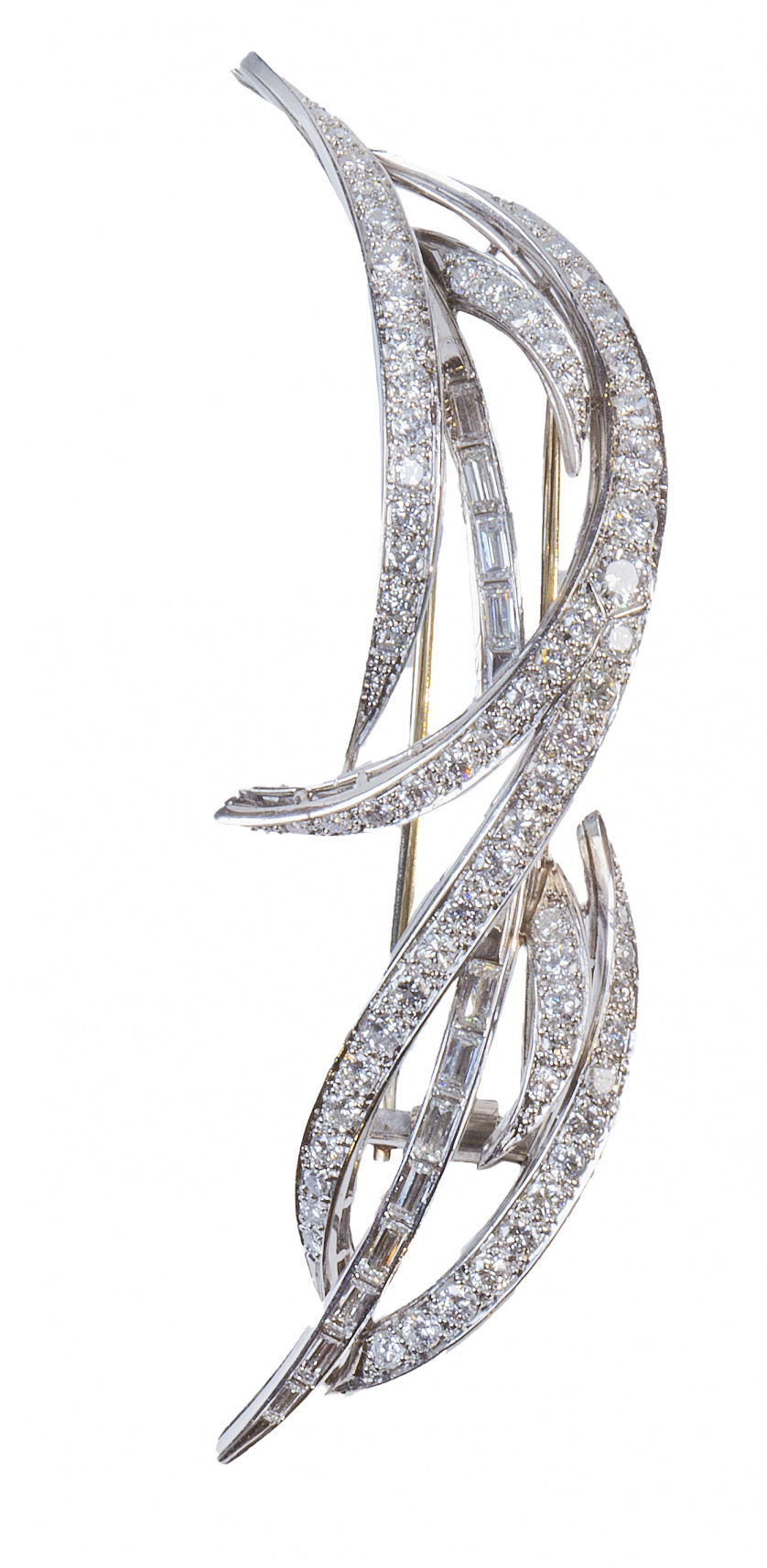 Broche años 50 de platino y brillantes en hojas estilizadas