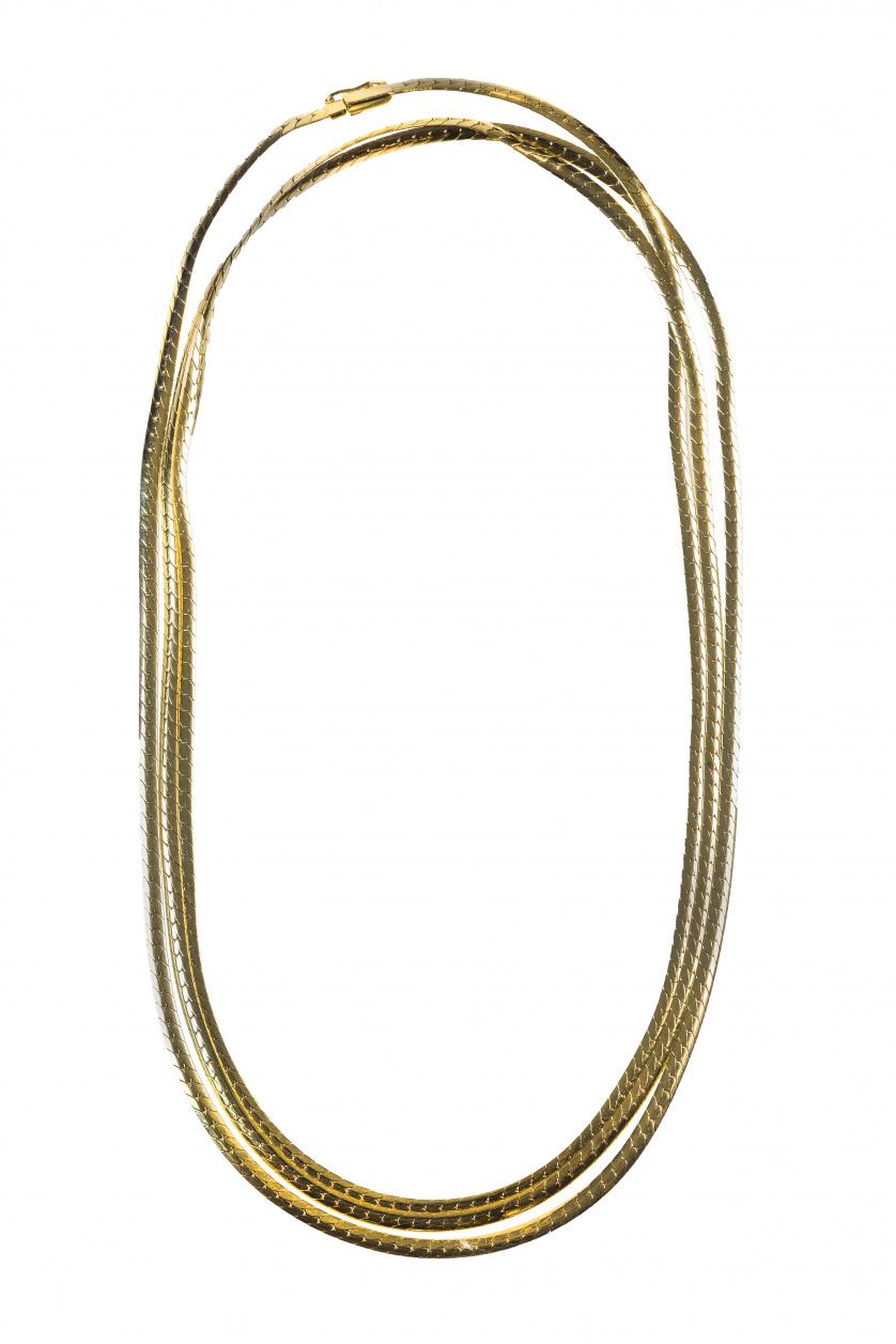 Collar largo de eslabón plano en oro amarillo de 18K