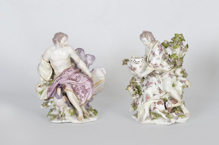 Figura escultórica de porcelana de una alegoría.Chelsea,