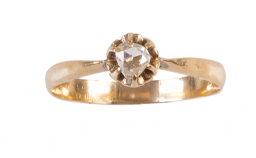 Sortija de pp. S. XX con un diamante de talla holandesa