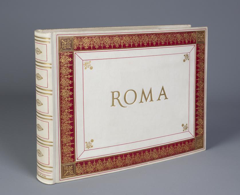 Albúm de fotografías con vistas de Roma y sus obras de arte