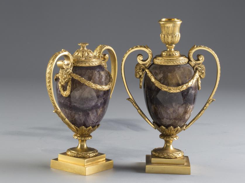 "Pareja de ""cassolettes""  o ""Candle vases"", Jorge III en ""Bl"