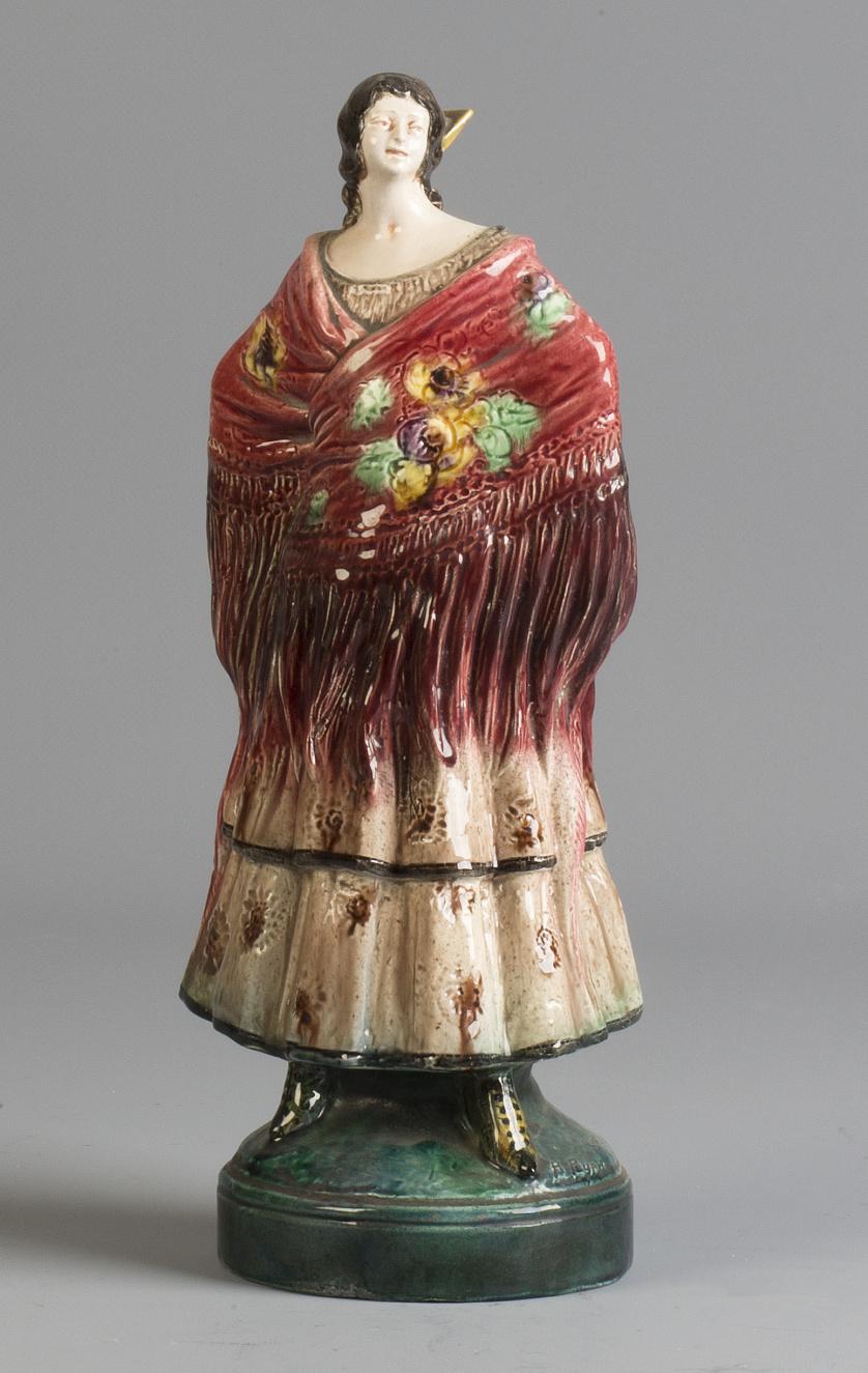 Gitana de cerámica esmaltada..Antonio Peyró (1930-1940)