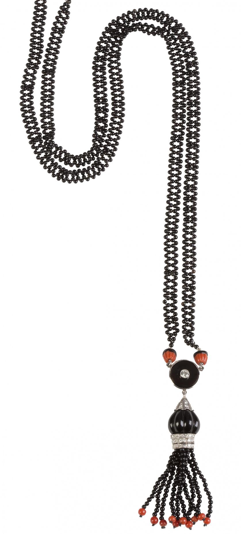 Collar largo estilo Art-Decó de ónix coral y brillantes, co