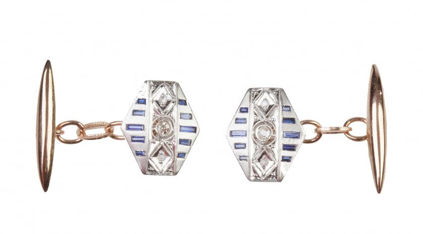 Gemelos romboidales Art-Decó con bandas de zafiros calibrad
