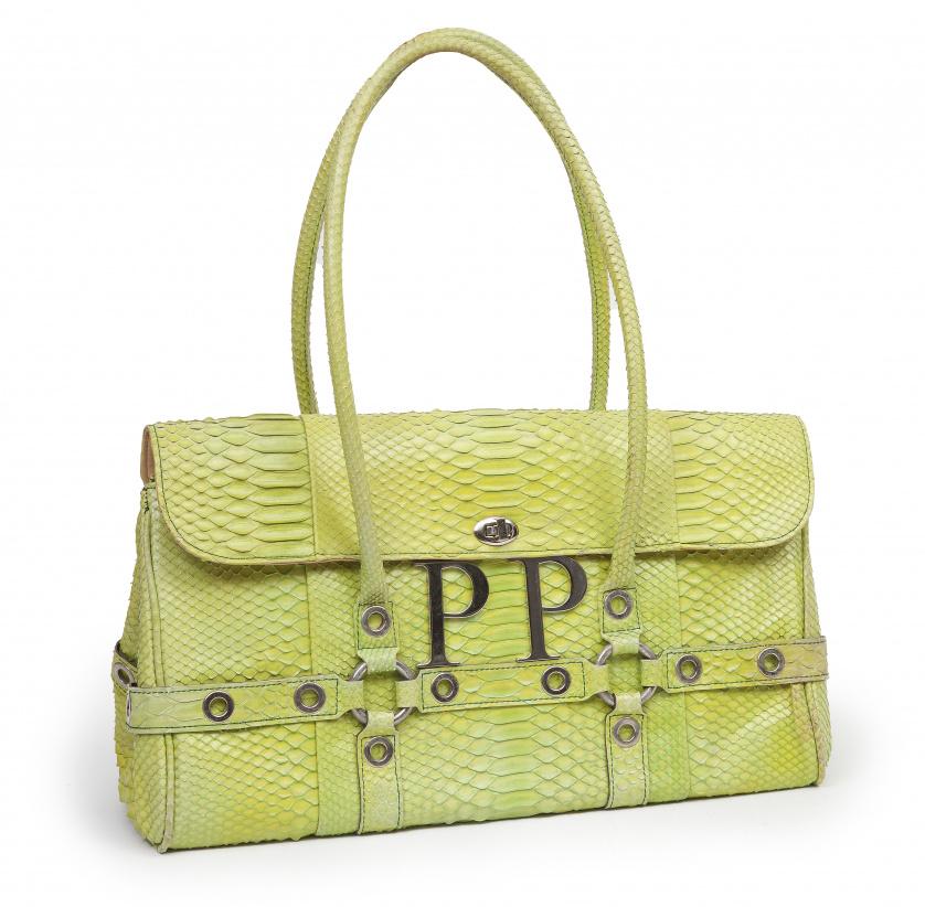 Gran bolso de piel de pitón en color verde pistacho con asa