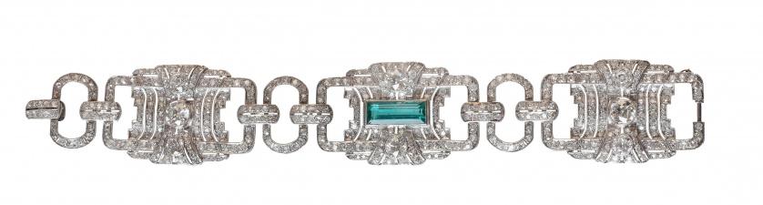 Brazalete ancho Art- Decó c. 1920 de platino y brillantes,