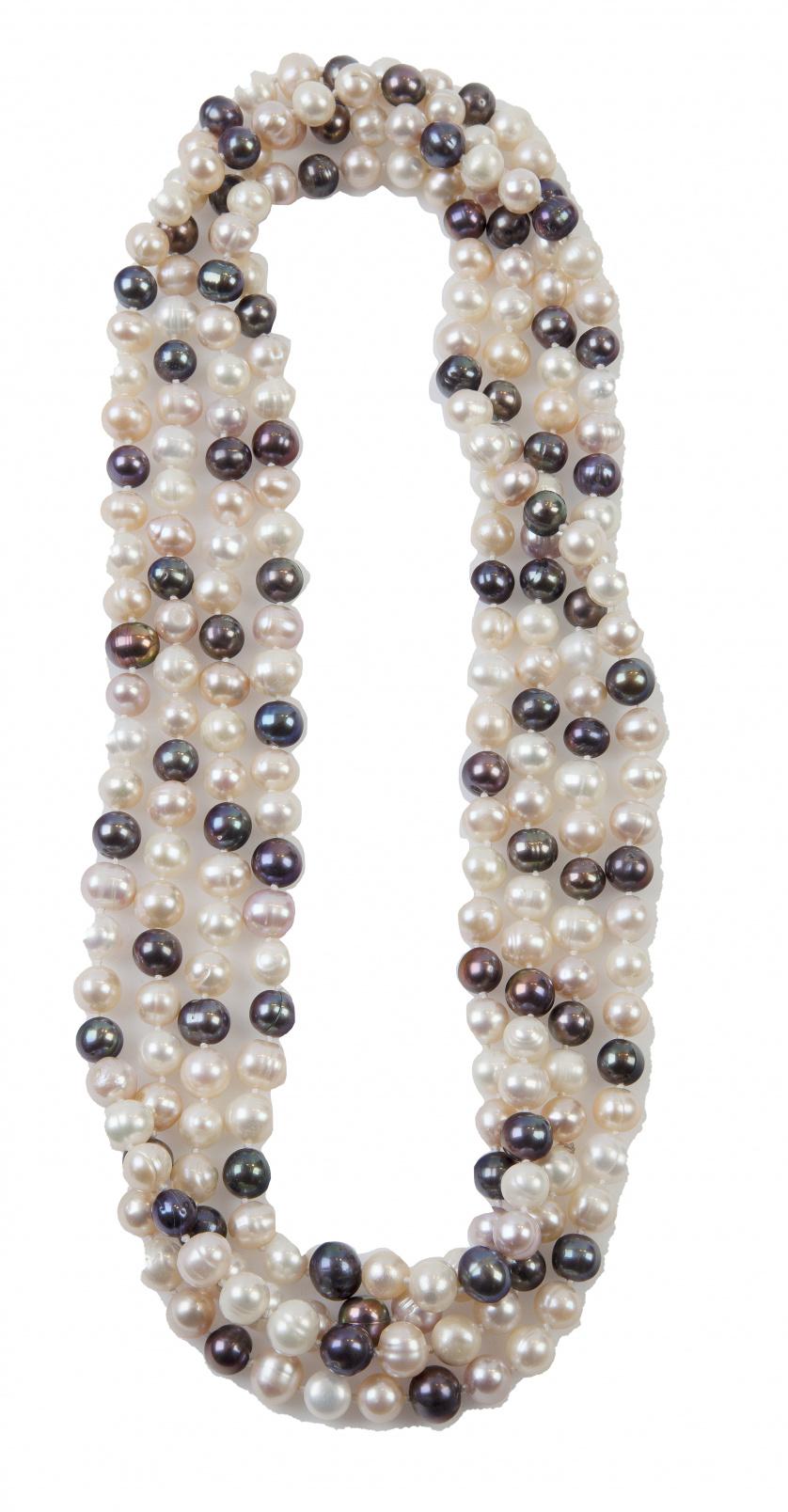 Lote de dos collares con perlas