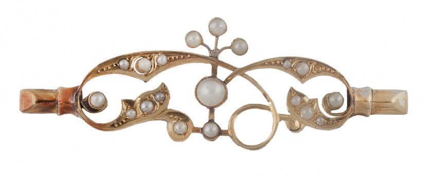 Broche de pp. S. XX con perlas de cristal en líneas de rama