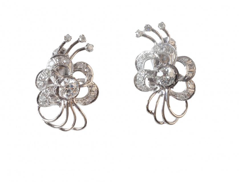 Pendientes años 50 con diseño de flor con brillante central