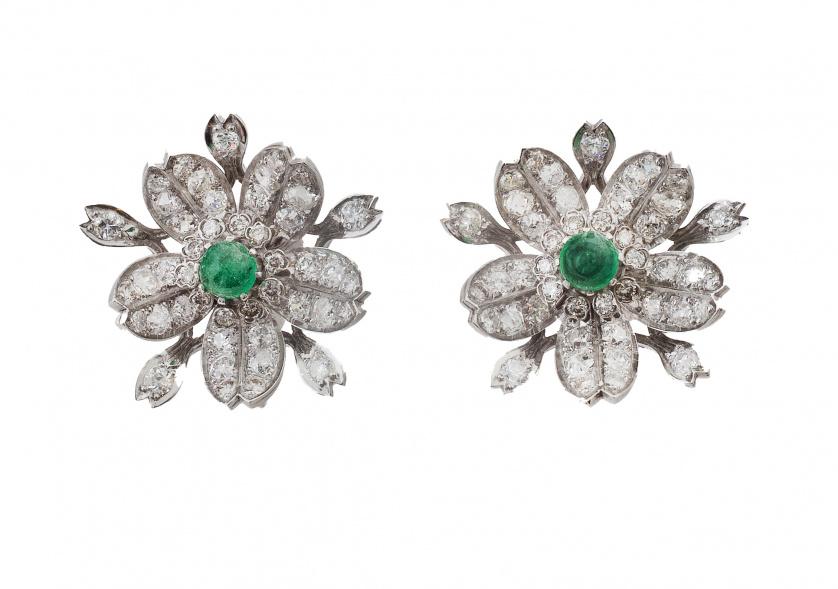 Pendientes con diseño de flor de pp. S. XX con brillantes y
