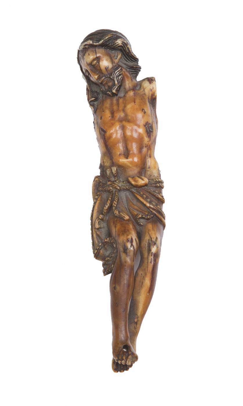 Cristo en marfil tallado, España, S. XVII - XVIII