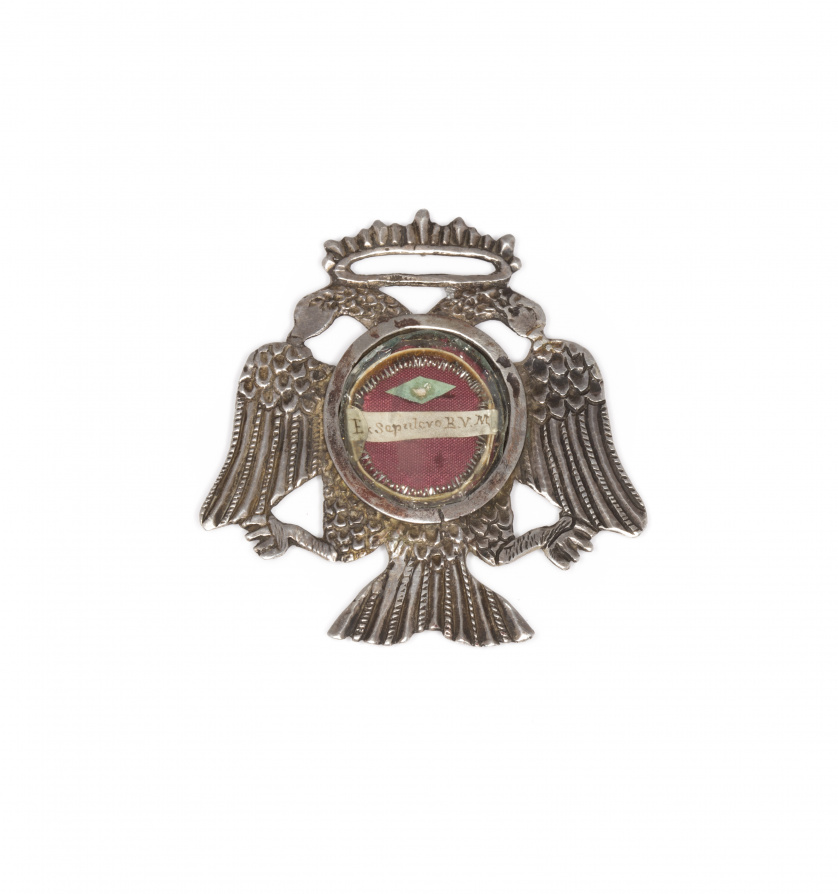 Medallón relicario águila bicéfala de plata y bronce, con r